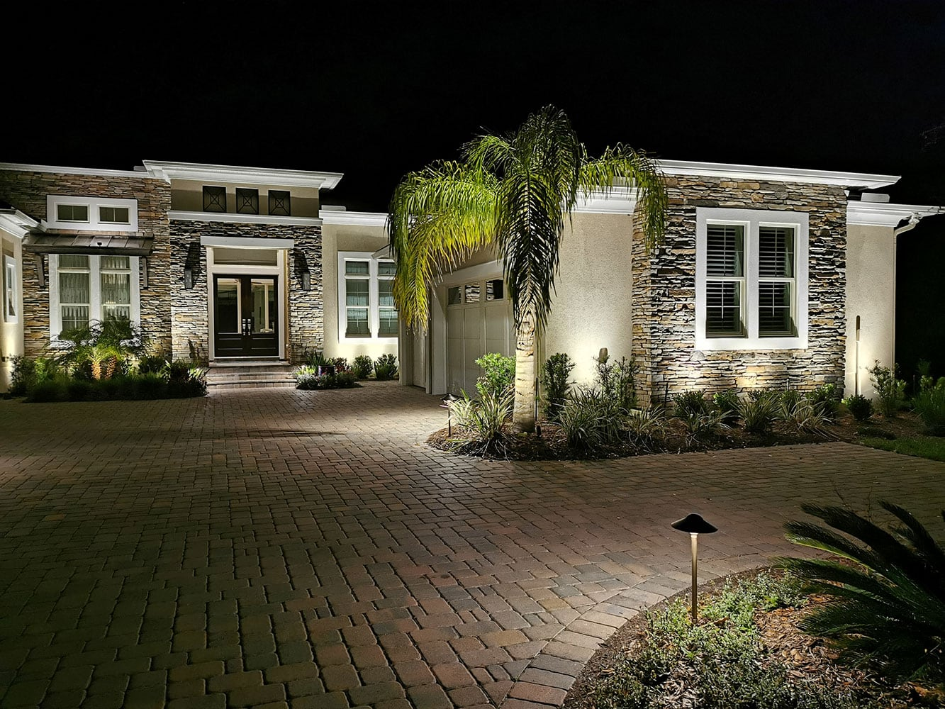 Landscape Lighting And Pool Lights